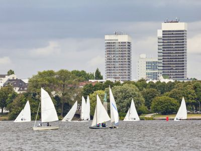 Hamburg sailing pe Lacul Outer Alster