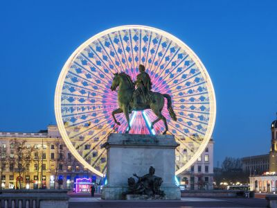 Lyon Place Bellecour statuie Rege Louis XIV