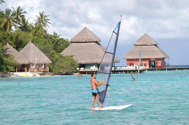 Maldive Hotel Adaaran Club Ranalhi