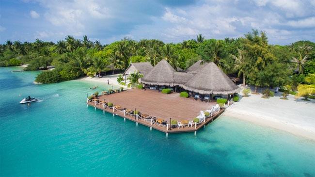 Maldive Hotel Adaaran Hudhuranfushi Resort