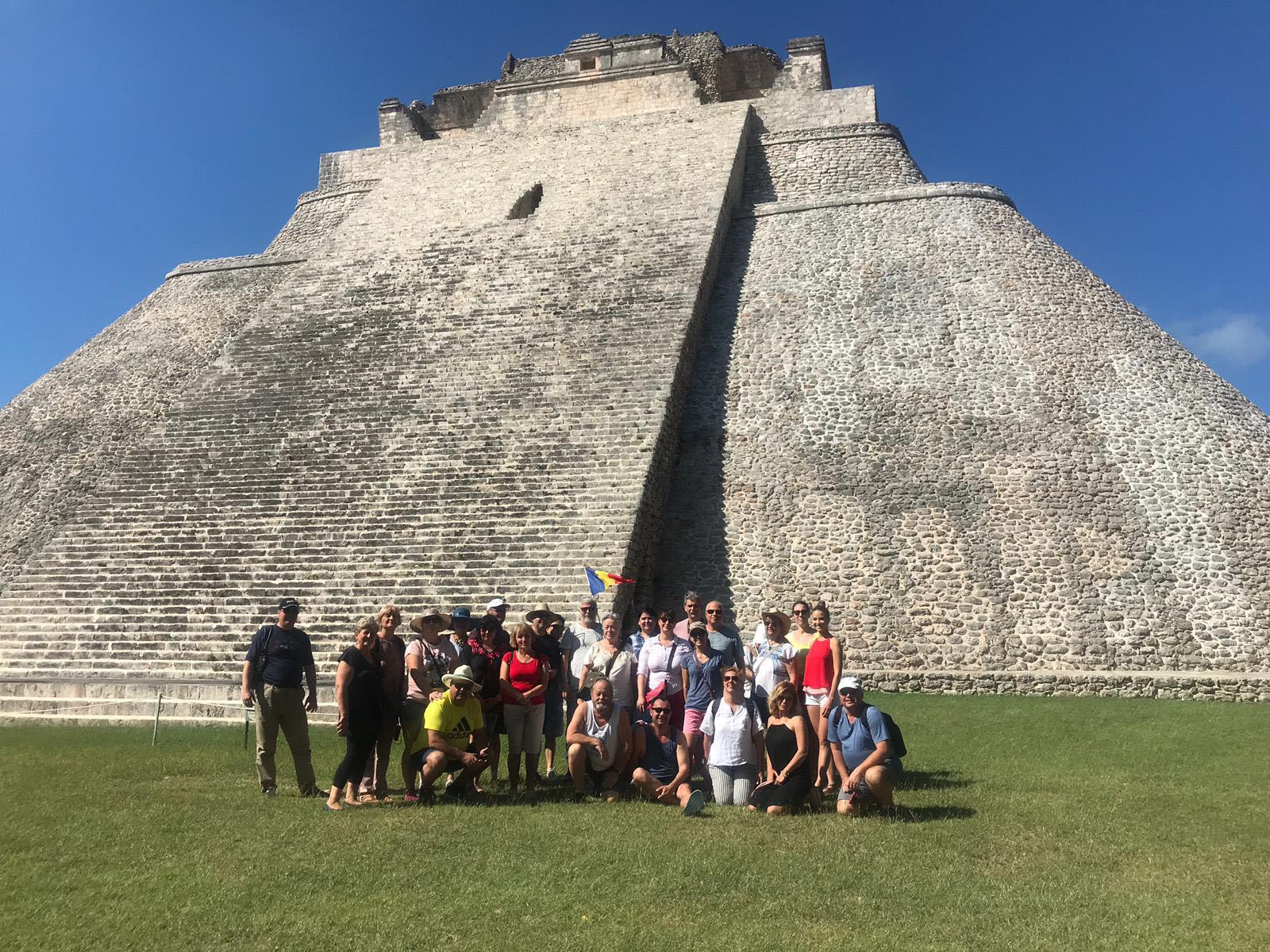 Mexic Uxmal Piramida Magicianului