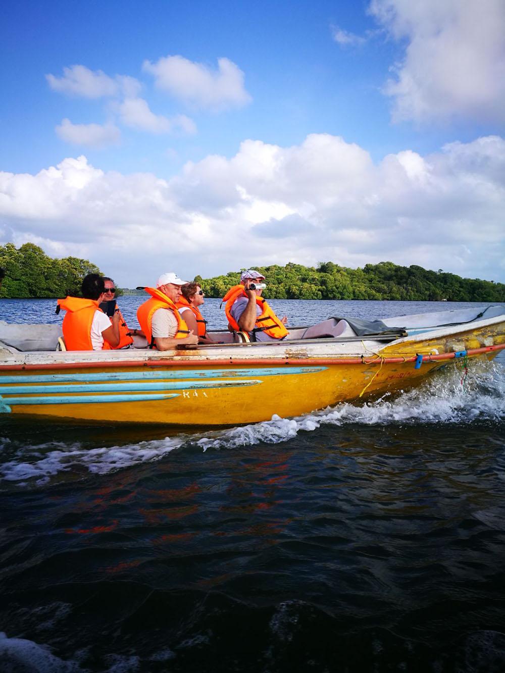 Sri Lanka Croaziera Madu River