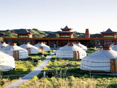 Cina si cazare iurta traditionala in Secret of the Ongi Ger Camp.