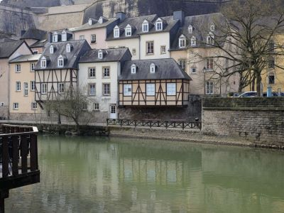 Luxembourg case tipice pe Raul Alzette