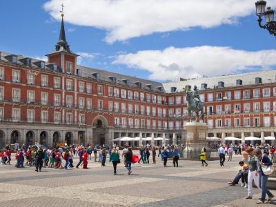 Madrid Plaza Mayor Statuie Philip III